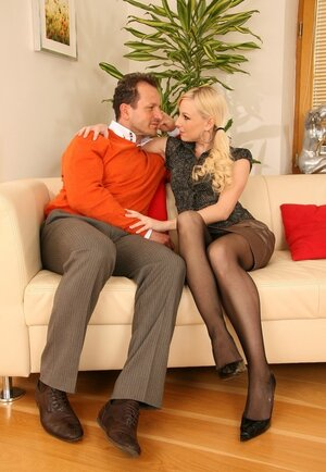 Blonde and additionally her husband additionally with ease drag sitter into group anal sex on sofa