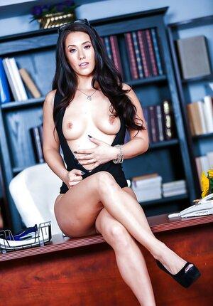 Latina secretary Eva Lovia gets naked in cabinet hoping to make move on boss