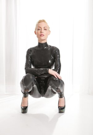Latex Sexy Pictures