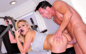 Instead workout bigtitted blonde MILF is seduced and banged by horny bruiser